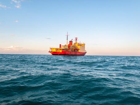 Navegamos en el ARA Almirante Irízar en preparación para la campaña antártica