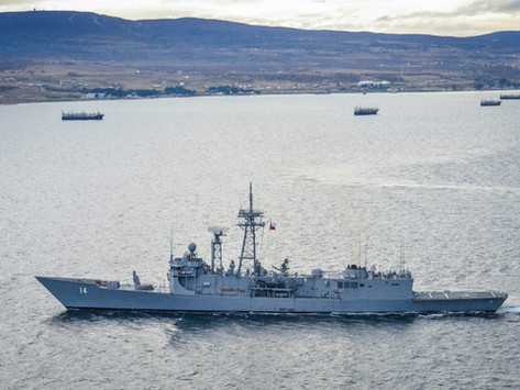 La Armada de Chile fiscaliza flota pesquera internacional en el Estrecho de Magallanes