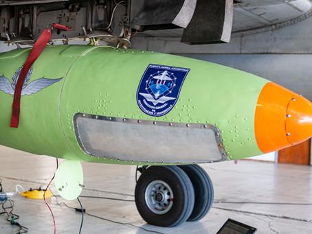 Invap, el Ministerio de Defensa y la Fuerza Aérea Argentina firman contrato por el pod ISR