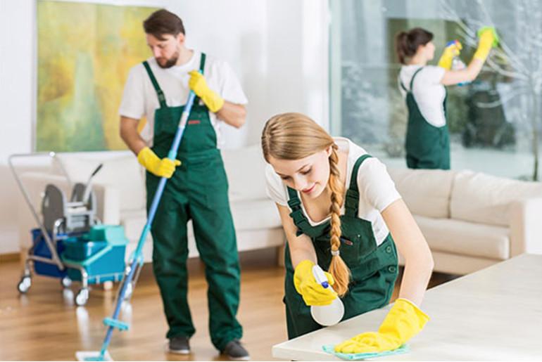 empleados-empresa-de-limpieza