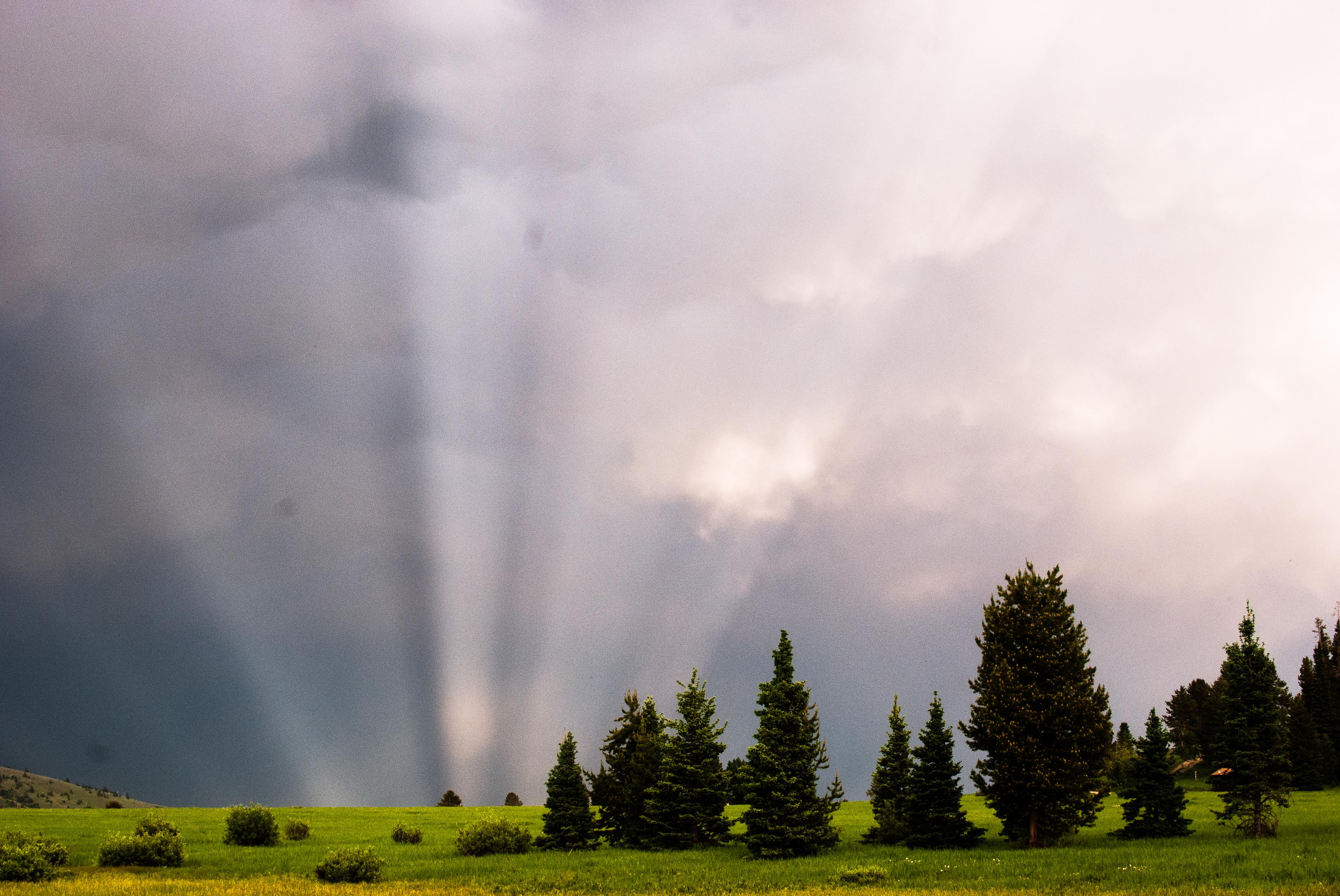 Montana landscape sun rays clouds