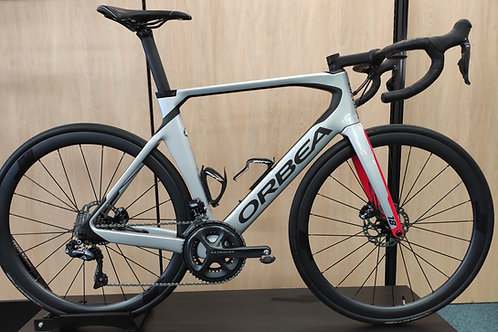 Orbea Orca Aero Ultegra Di2 Disc Brake Silver-Red Size 55 Demo model