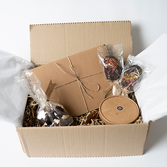 brownie-gift-box-set-packaged.png