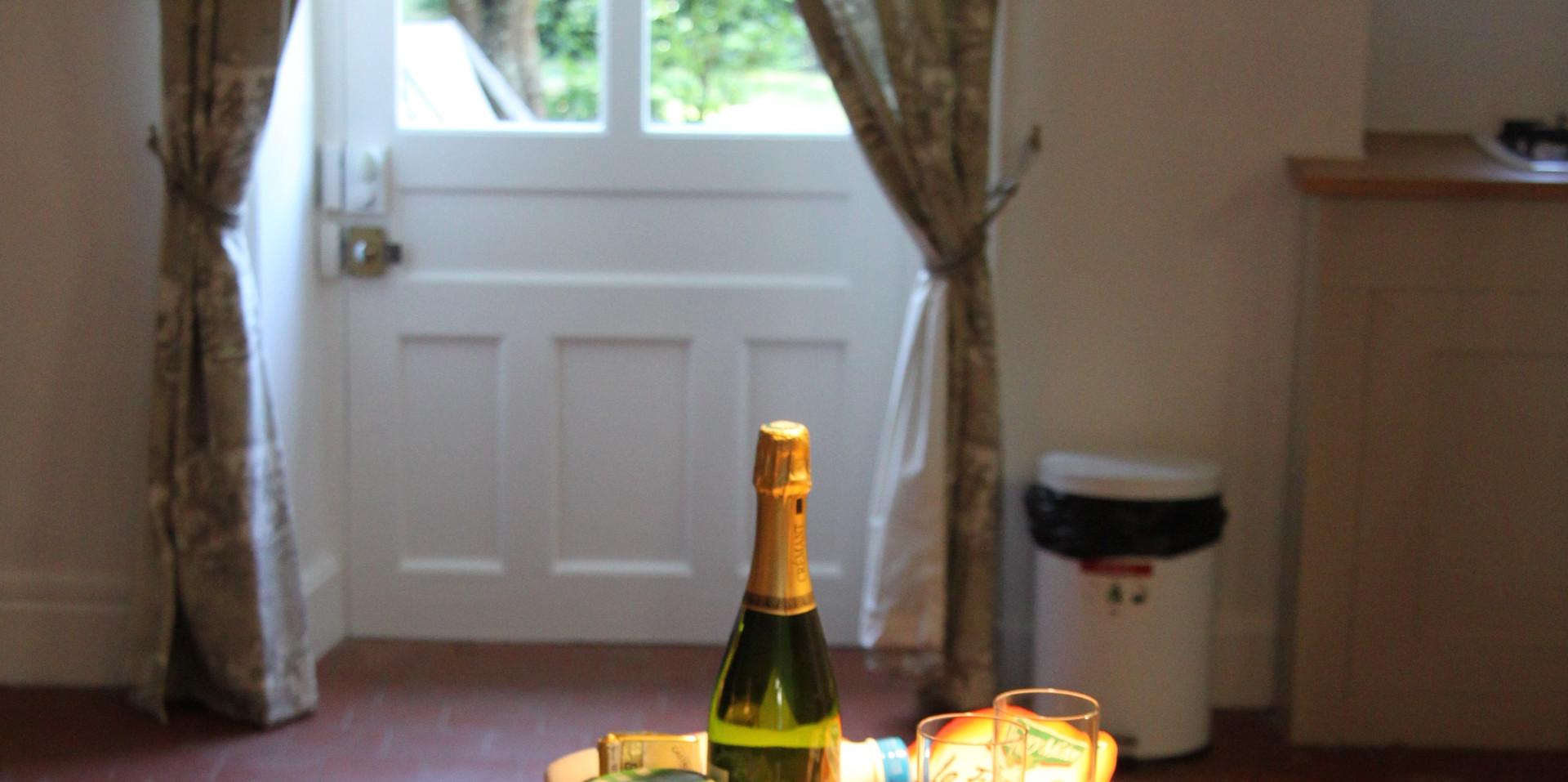 Escargot cottage 102.jpg