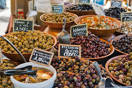 Olives on french market, close-up.jpg