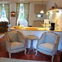 Escargot cottage 104.jpg