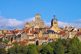 the town Vezelay, Burgundy in France.jpg