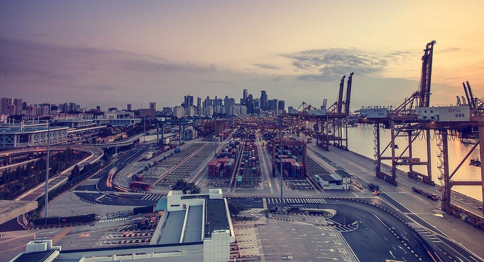 view-of-city-at-airport-326410_edited.jpg