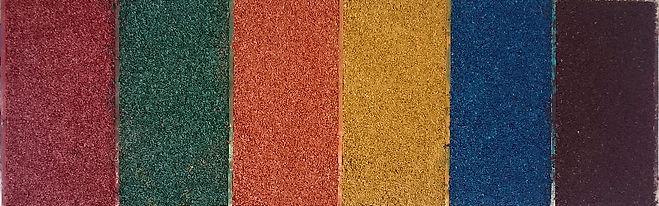 Объемные изделия из резиновой крошки различных цветов