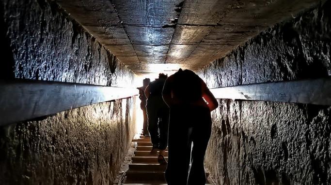 inside_pyramid2.jpg