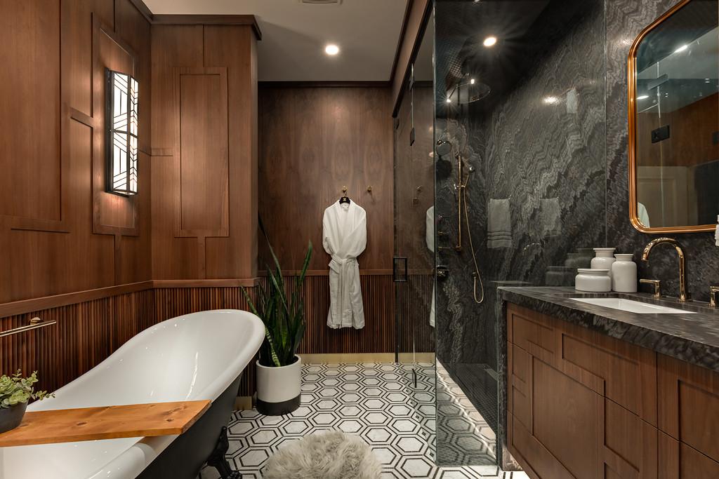 2019-06-Bathroom-Reno-(2-of-31).jpg