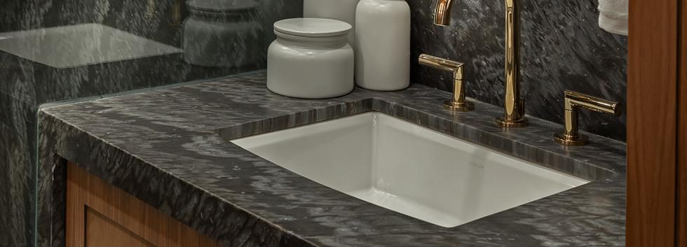2019-06-Bathroom-Reno-(13-of-31).jpg