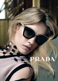 Prada-Spring-2016-Accessories-Campaign03
