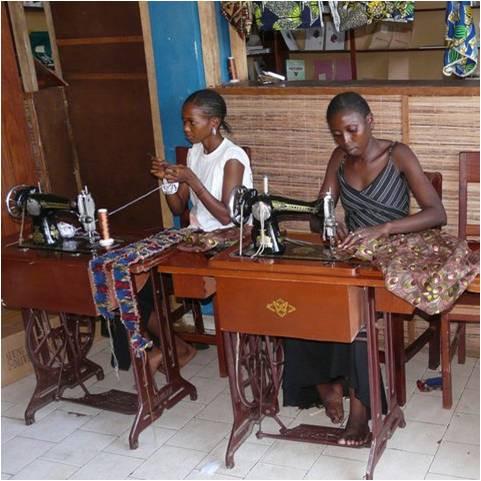 Leslokaal met leerlingen aan het werk