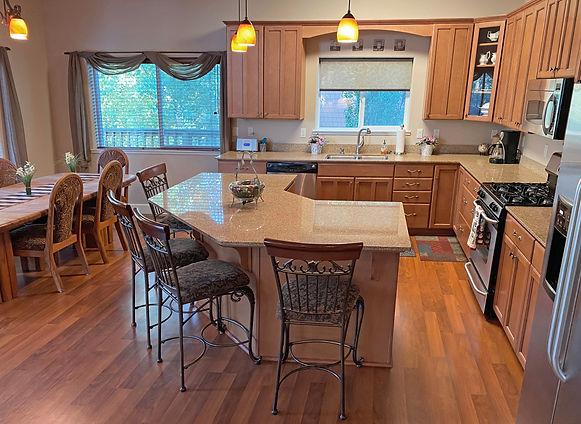 5-Kitchen1.jpg