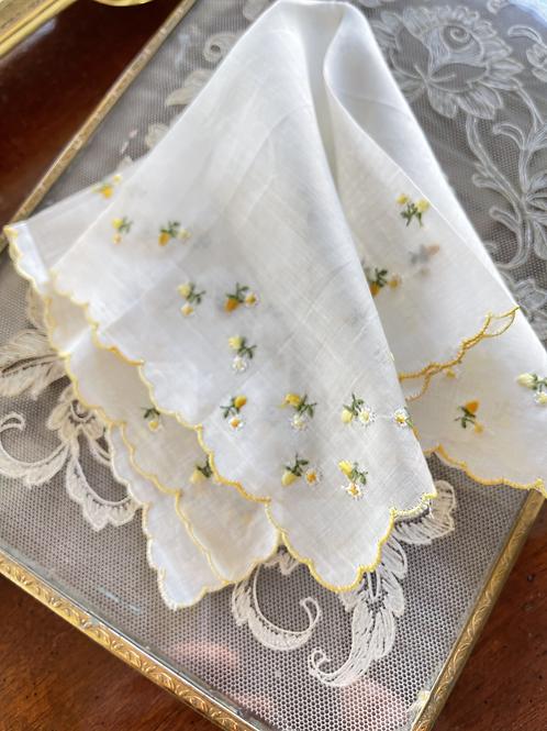 Vintage Lace Handkerchief - Daisy Daisy