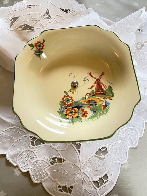 1930s Fluted Plate Stand