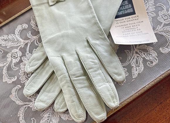 Mint Kid Leather Wrist Gloves