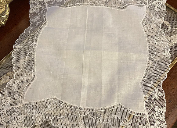 Vintage Lace Handkerchief - Pointed