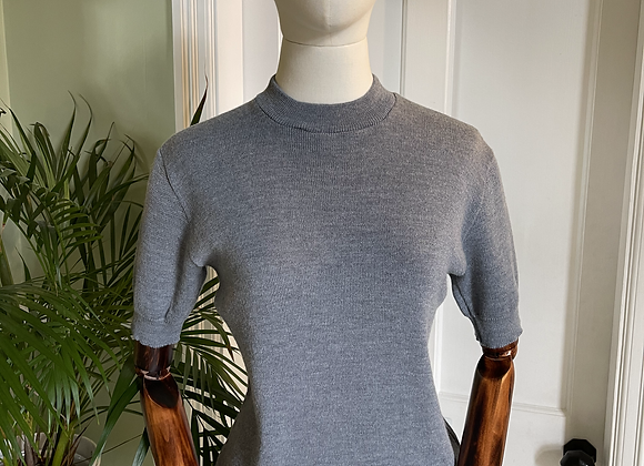 Grey Knitted Top with Crew Neck