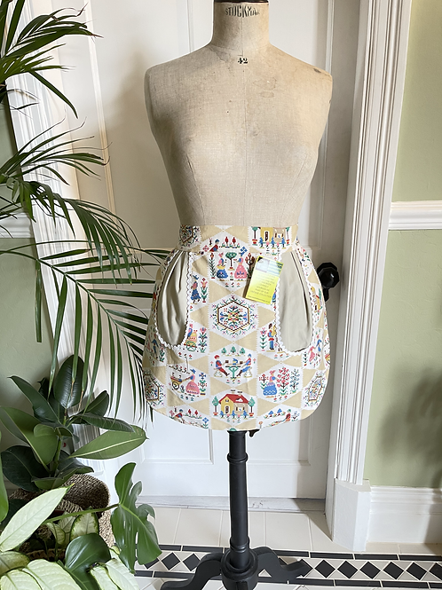 1970s Vintage Housewife  Apron