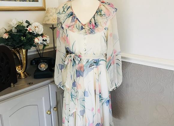 Floaty Chiffon Cream 1970s Dress