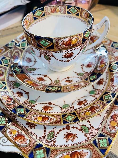 Art Deco Doric China Tea Set, Knives & Linens