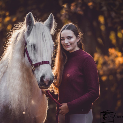 Annabell & Fee - Autumn Leaves