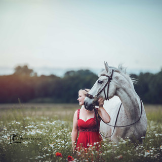 Samara & Ferdinand - Poppy Field