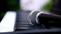 canto_microfono.jpg