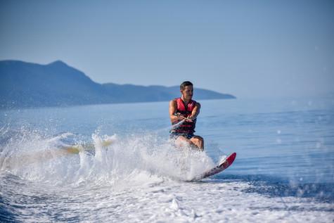 02 August 10-07-21 JACQUETTA_Water-skiin