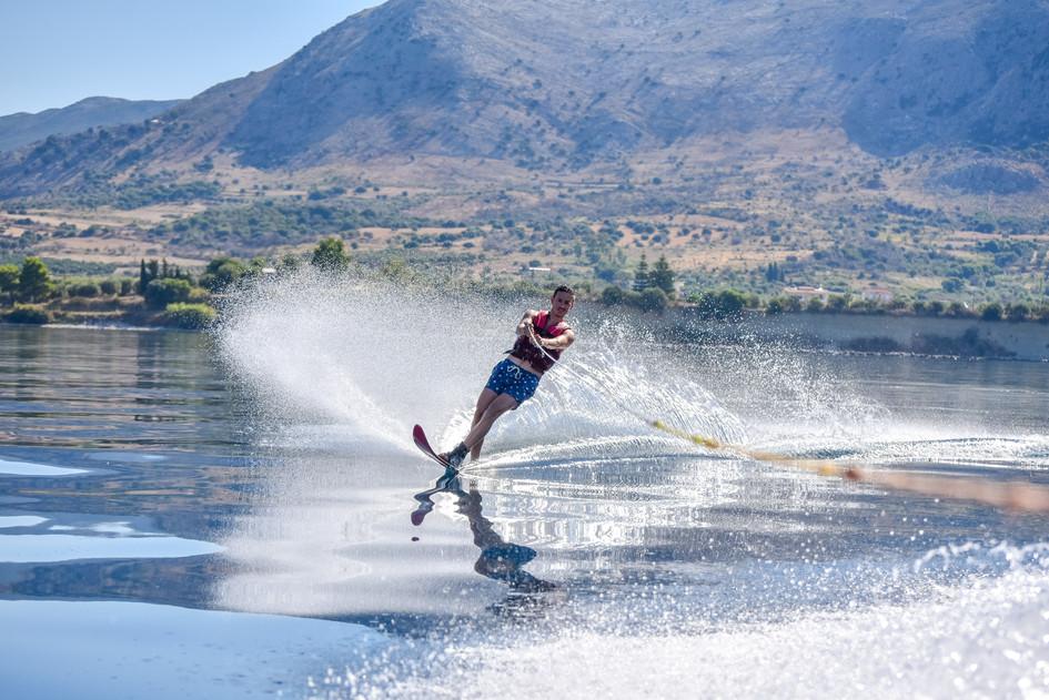 02 August 10-13-07 JACQUETTA_Water-skiin