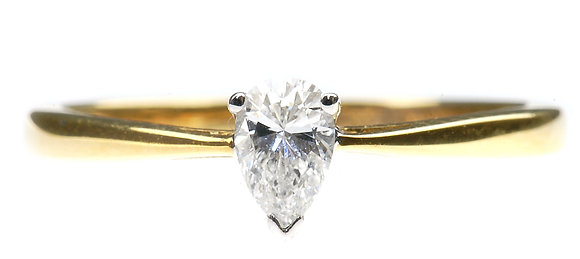 18ct yellow gold pear shape diamond ring front view