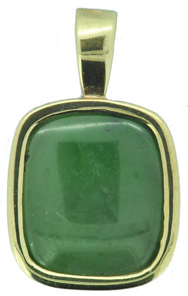 9ct yellow gold green agate pendant front view