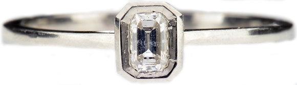 Platinum 0.15ct diamond ring front view