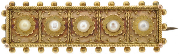 Antique 15ct yellow gold pearl brooch front view