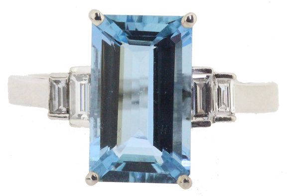 18ct white gold aquamarine and diamond ring front view