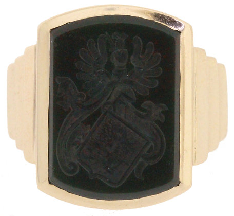 9ct yellow gold bloodstone signet ring front view