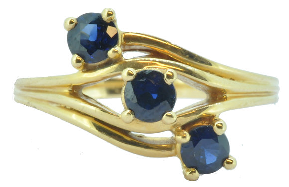 18ct yellow gold sapphire ring front view