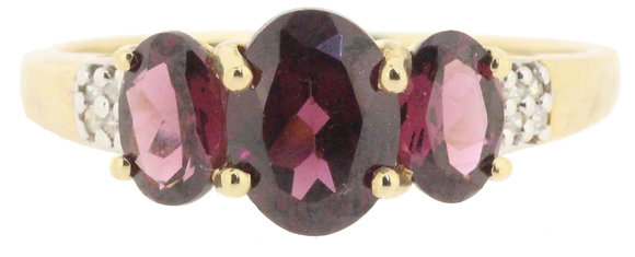 9ct yellow gold garnet three stone ring front view