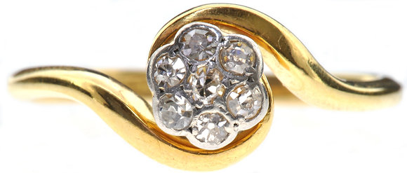 18ct yellow gold daisy diamond ring front view