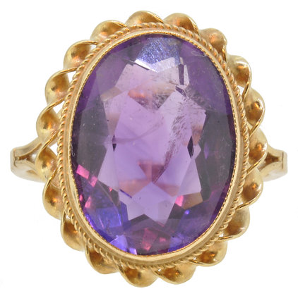 9ct yellow gold amethyst ring front view