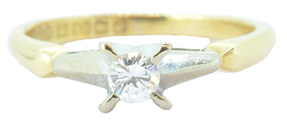 18ct yellow gold diamond single stone ring front view