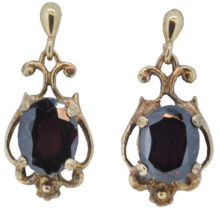9ct yellow gold garnet drop earrings