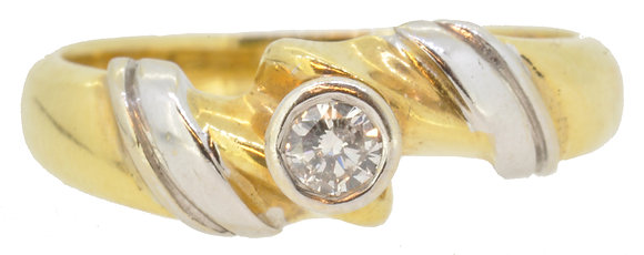 18ct yellow and white gold diamond ring front view
