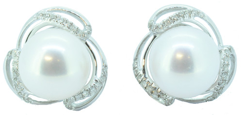 510a7f466 9ct White Gold Pearl & Diamond Stud Earrings