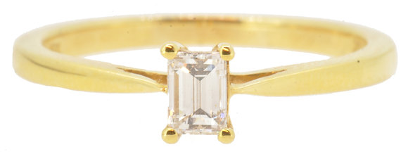 18ct yellow gold emerald cut 0.25ct diamond ring front view