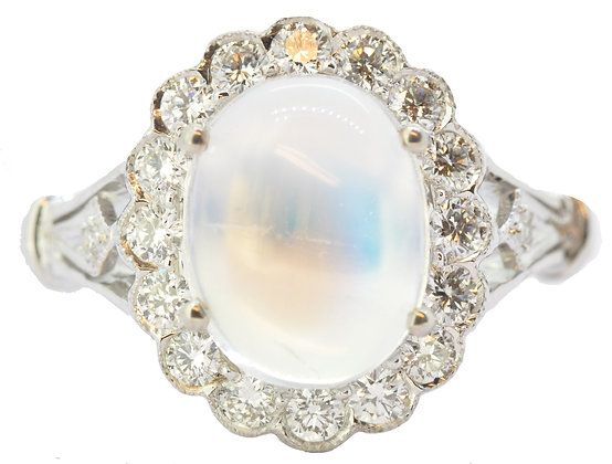 18ct white gold moonstone and diamond ring front view