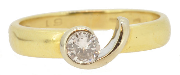 18ct yellow gold 0.20ct diamond ring front view