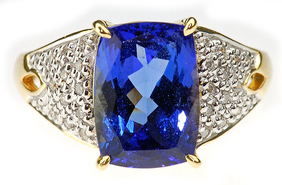 18ct yellow gold tanzanite and diamond ring front view